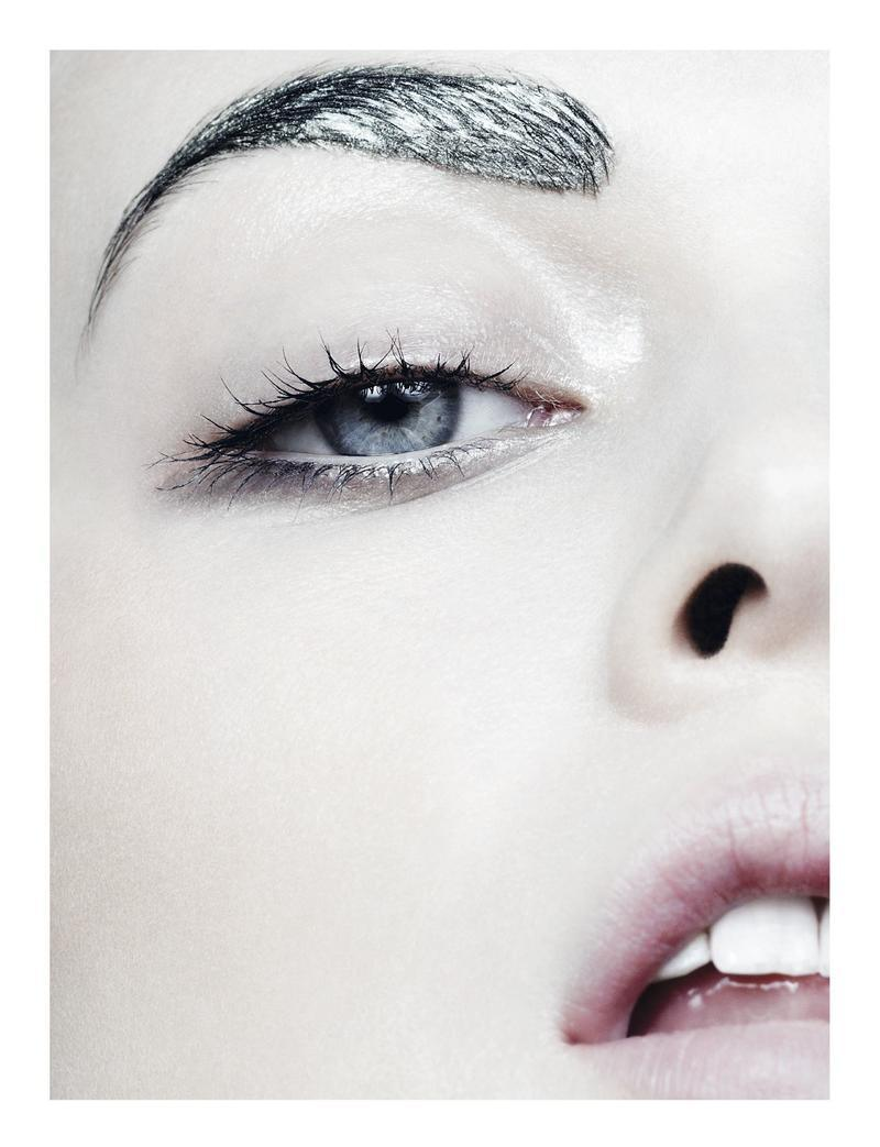 tess-hellfeuer-by-ben-hassett-for-dior-magazine-fall-2013-1
