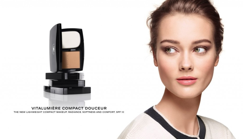 Monika Jagaciak for Chanel Fall 2013 Vitalumière Compact Douceur