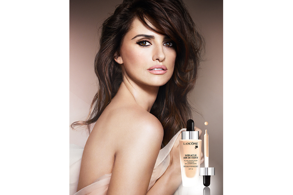 Penelope Cruz for Lancôme's Miracle Air de Teint foundation (1)