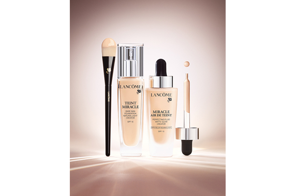 Penelope Cruz for Lancôme's Miracle Air de Teint foundation (4)