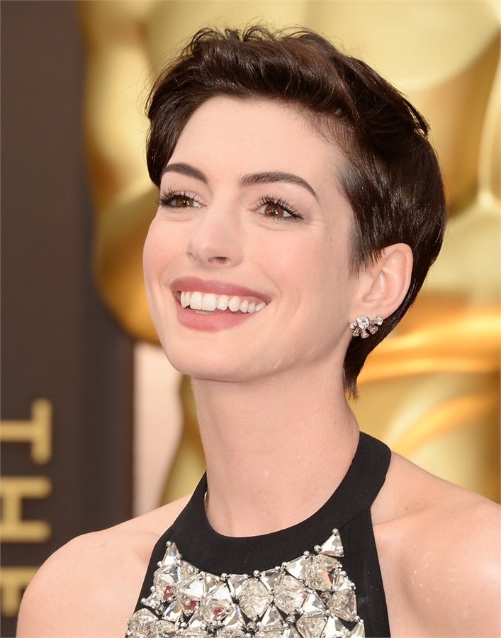Oscars-2014-Beauty-Looks-15