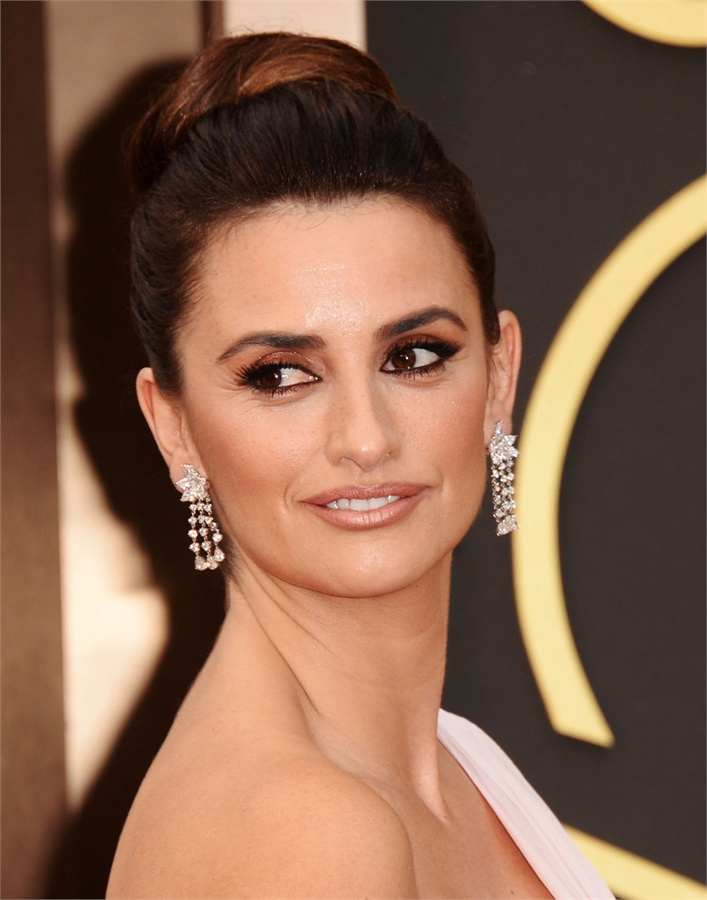 Oscars-2014-Beauty-Looks-7