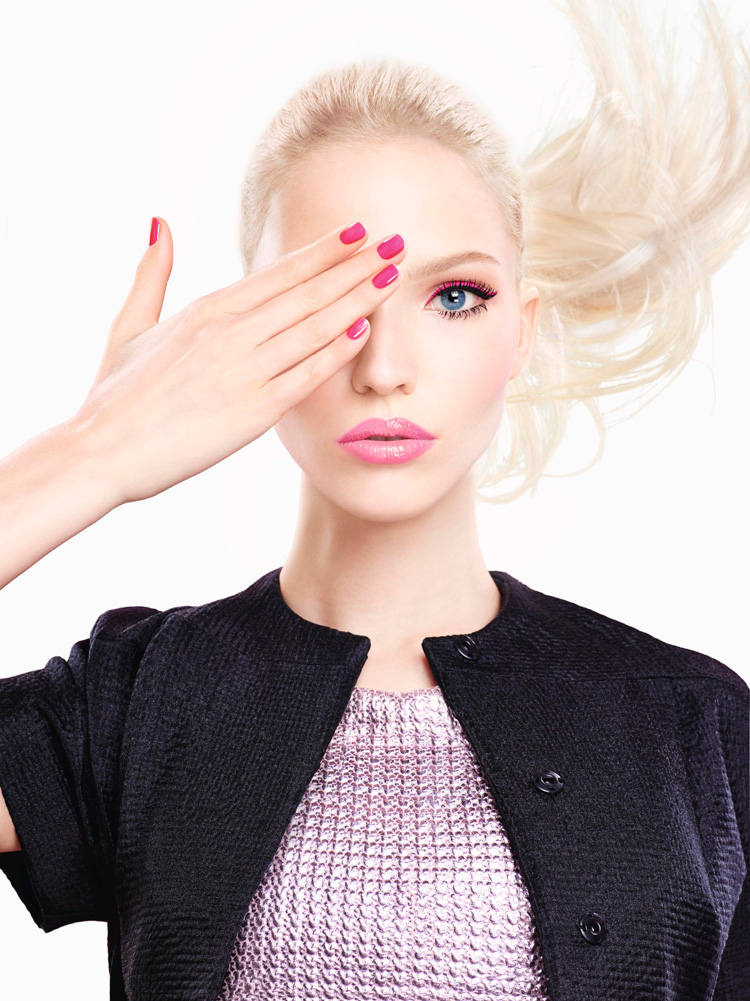 Dior-Addict-It-Lash-Campaign-With-Sasha-Luss-03