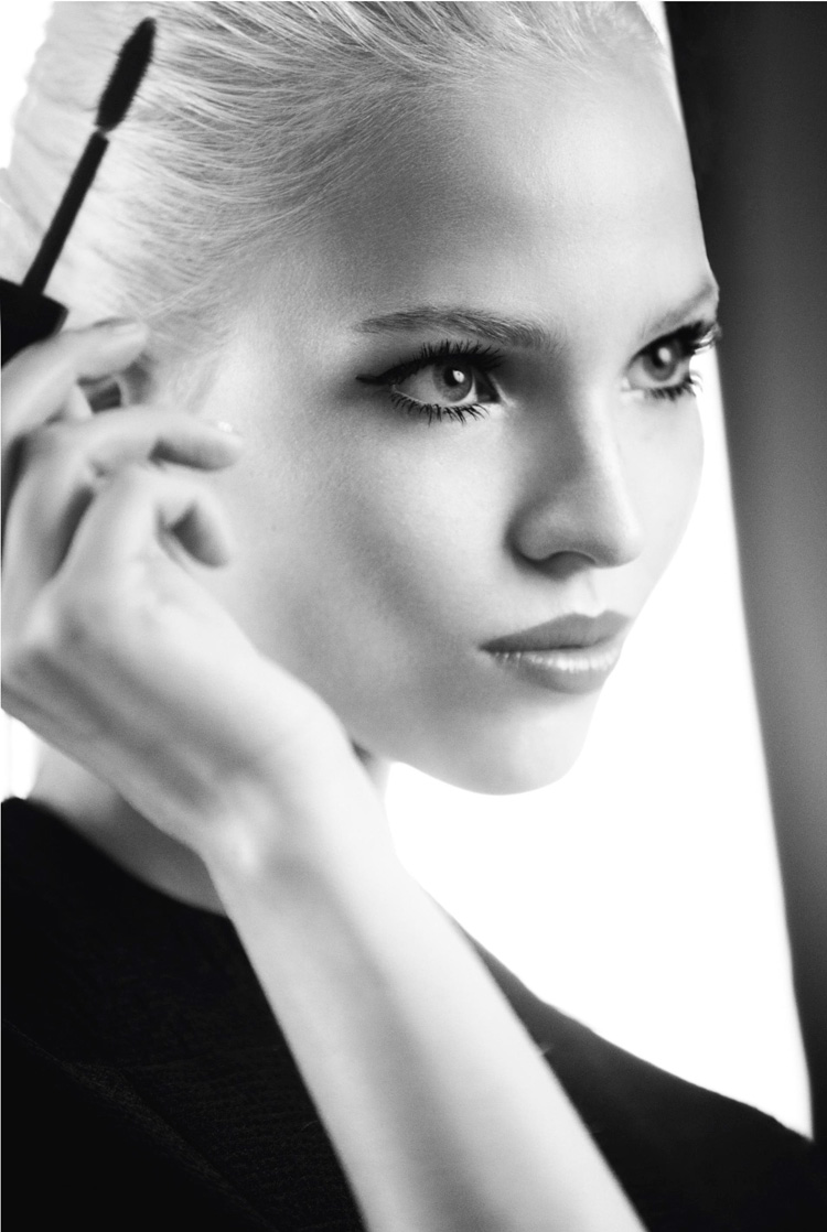 Dior-Addict-It-Lash-Campaign-With-Sasha-Luss-04