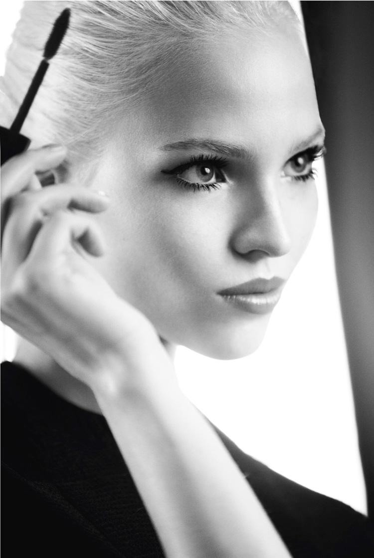 Dior-Addict-It-Lash-Campaign-With-Sasha-Luss-04