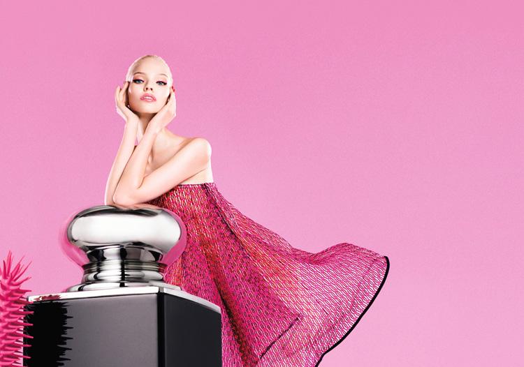 Dior-Addict-It-Lash-Campaign-With-Sasha-Luss-06